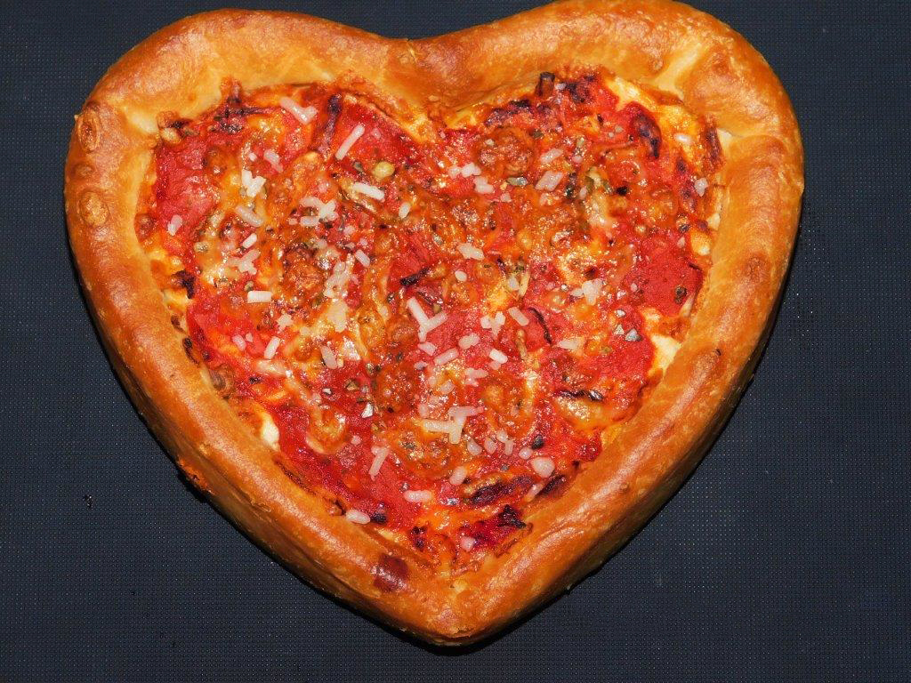 Celebrate Love This Valentine's At UNO Chicago Bar & Grill!